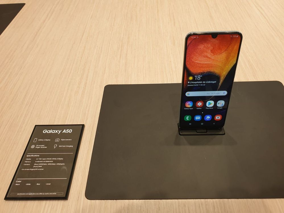 Samsung Galaxy A50 3.jpeg